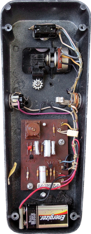 Brilliant in it its simplicity; the foot pedal drives the rotary control on the potentiometer. This early Cry Baby features the round, brown Halo inductor, believed by many guitarists to be the best-sounding unit.