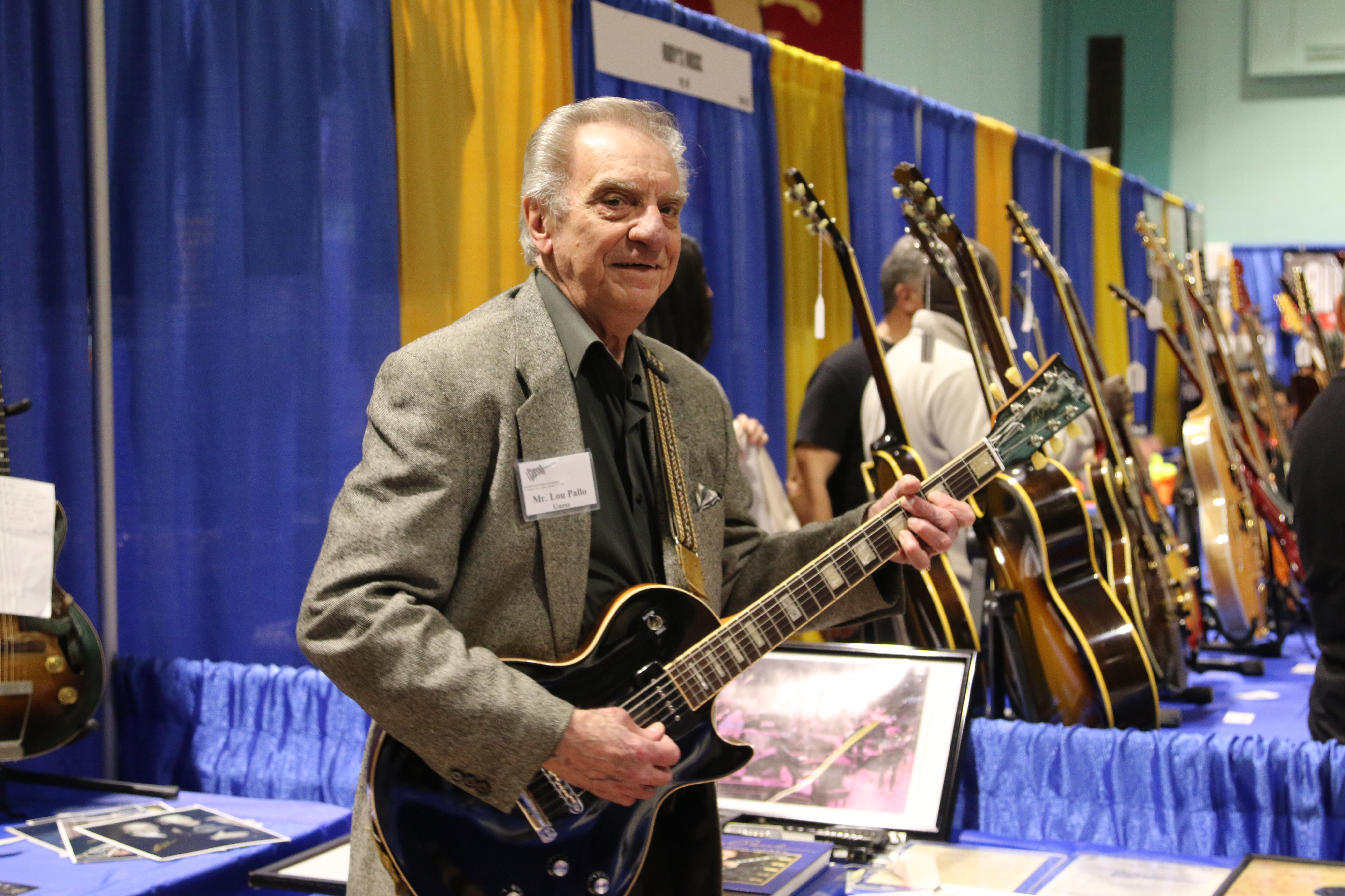 Lou Pallo at NY Guitar Expo.