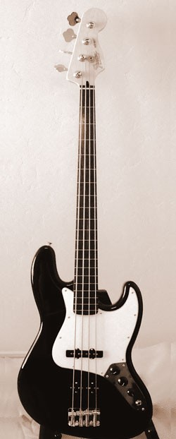 Fretless Fender Jazz Bass