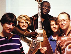Joan Erlewine, Ellen Gagliano, Albert King (with Lucy), Meredith Erlewine, and Dan Erlewine in 1989