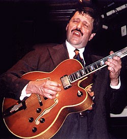 Beaudoin with his late-'60s Gibson L-5 in 1999