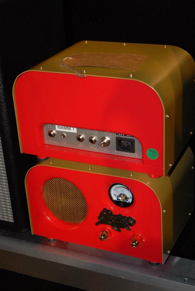 Front (bottom) and back of the Pawn Shop Greta amp - made by Fender, but branded separately. 12AX7 preamp, 12AT7 in its 1-watt power section