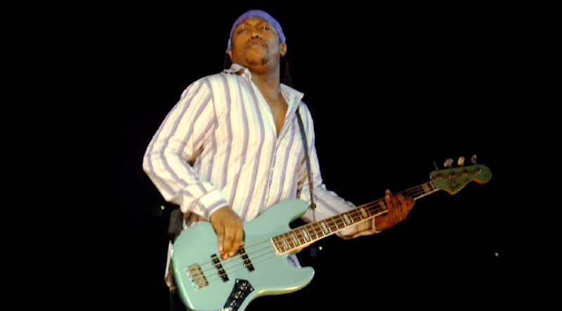 Darryl Jones photo: P. Baumbach