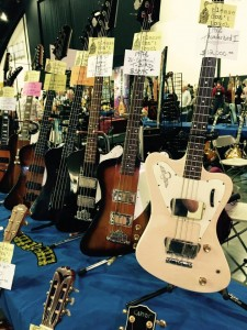 Eenie meenie miney mo, quite a few 1960s and 1970s Gibson Thunderbird basses in a row! #ocguitarshow #Gibson #vintageguitar #bass #Thunderbird #guitarlove — in Costa Mesa, California.