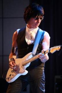 Jeff Beck sets tour dates