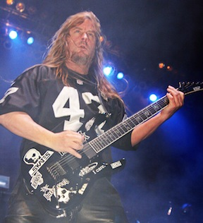 Slayer guitarist Jeff Hanneman passes.