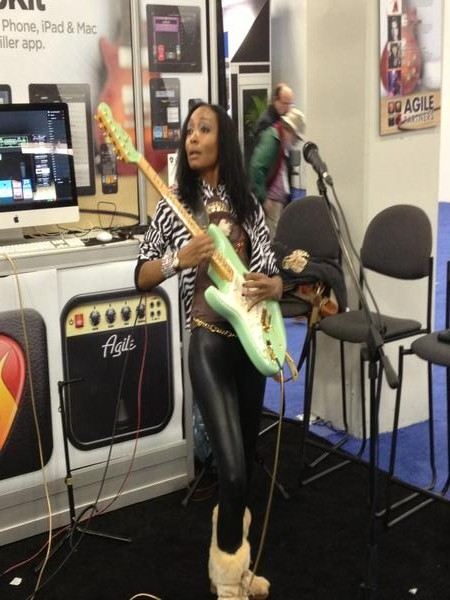 Malina Moye rocks the Ampkit app booth.