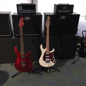 Who wants to jam? #Peavey #vintageguitar #Peavey50 #guitarlove #guitars #NAMM2015 #NAMMshow #NAMM — in Anaheim, California.