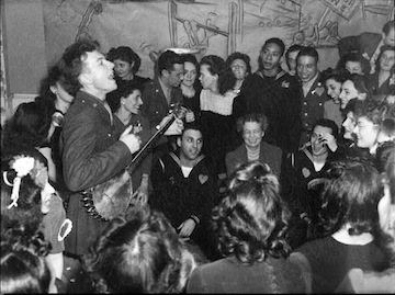 Pete Seeger in 1944