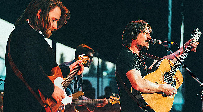 "Teleslinger Laur ""L'il Joe"" Joamets with Sturgill Simpson. Photo: Andy Sapp."