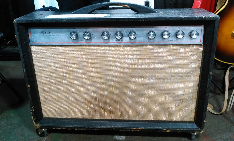 Sarge from Creation Audio Labs was kind enough to show us this 1962 Silvertone 1474 twin twelve. Mojo, anyone?