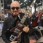 Daniello De Laurentiis shows off Model 1478 at Silvertone Guitars.