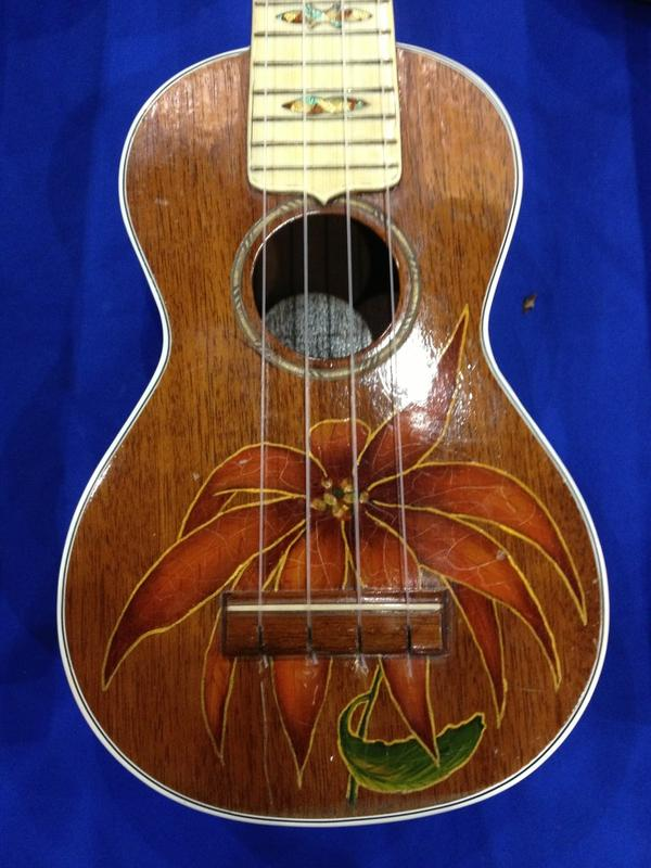 SoCAL World Guitar Show - 1929 Gibson Poinsettia ukulele.