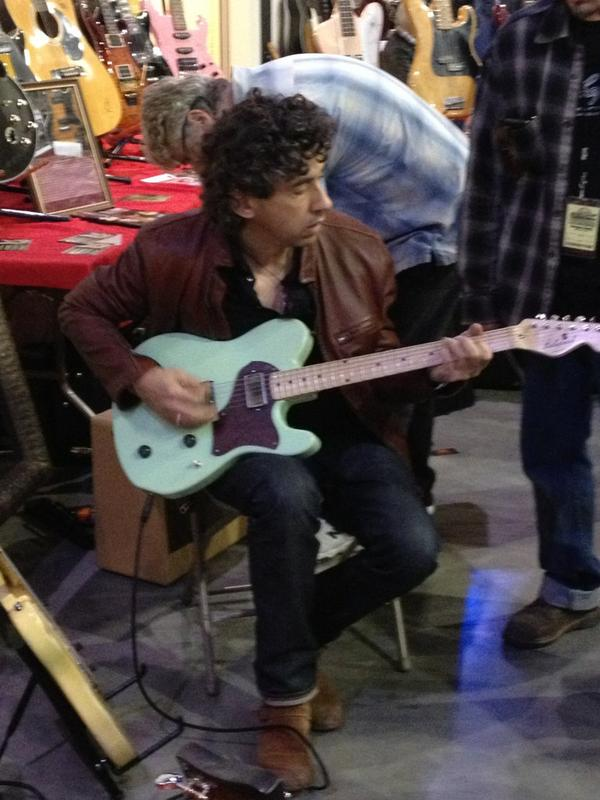 SoCal World Guitar Show. David Grissom tries out a new Echopark guitar.