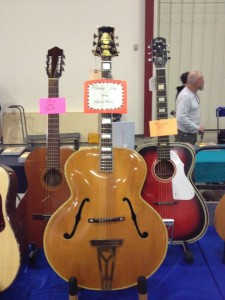 "#Stromberg archtops built from the 1930s to the 1950s are considered among the best. This 400 has a huge 19"" body! #vintageguitar #ocguitarshow #archtop #guitarlove — in Costa Mesa, California."