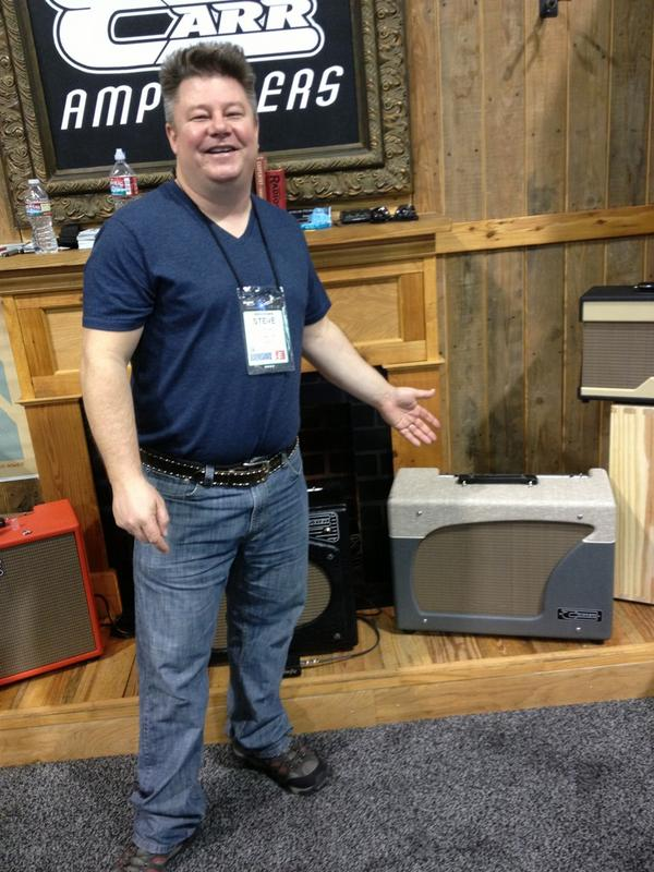 Steve Carr showing his new Carr Amplifiers Impala combo.