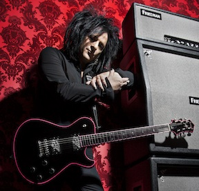 Knaggs introduces Steve Stevens signature guitar.