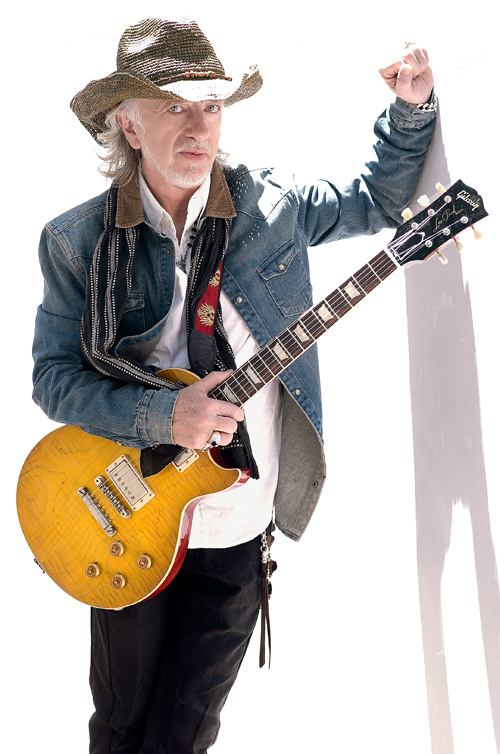 Brad Whitford: Ross Halfin.