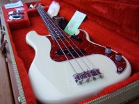 1982 FULLERTON 1962 RI FENDER PRECISION BASS MINT