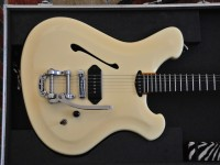 Gorgeous handmade stage guitar - Sirius Sator - hollow body electric - high gloss butterscotch