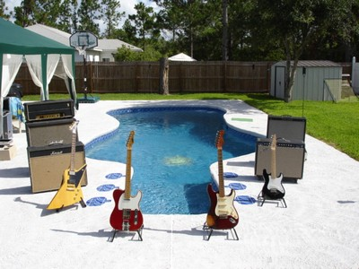 Guitar pool