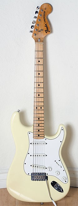 Mid 1970/'71 Fender Stratocaster in Olympic White.