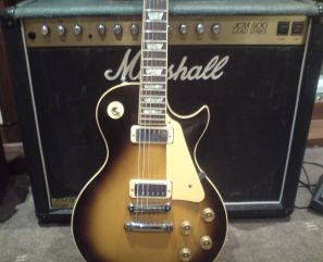 Gibson Les Paul Deluxe 1980 Amp A 1985 Marshall Jcm 800