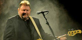 bassist Greg Lake passes away
